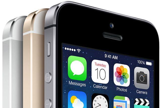 Apple zawyża ceny iPhone'ów i wymusza je na operatorach