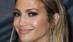 49-letnia Jennifer Lopez zachwyca swoją latynoską urodą