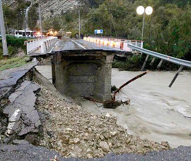 Woda w rzekach osiągała poziom nawet kilku metrów.