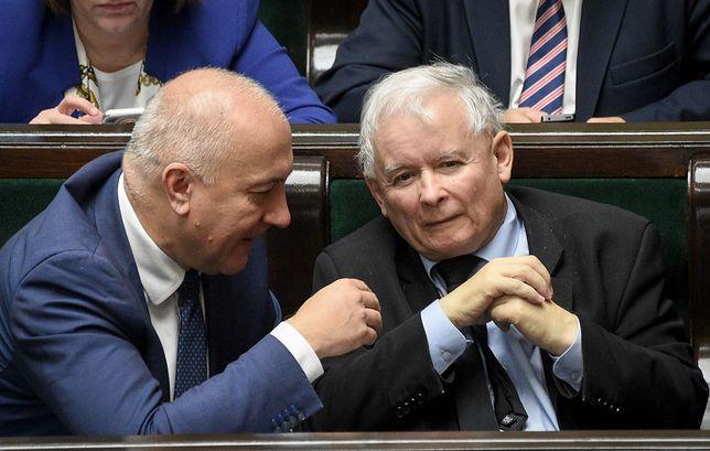 Szef MSWiA, Joachim Brudziński i prezes PiS, Jarosław Kaczyński.