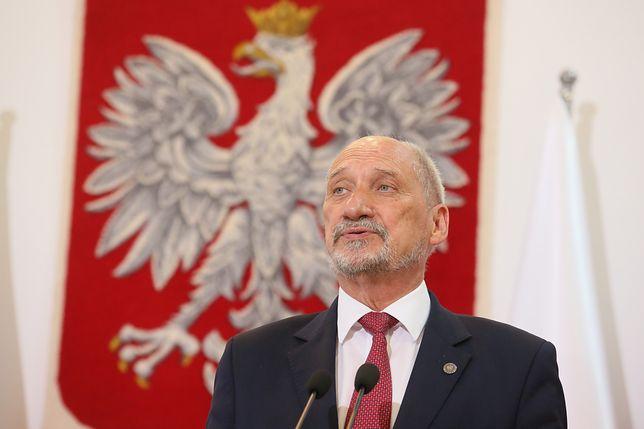 Antoni Macierewicz leci do USA. Będzie rozmawiał o Smoleńsku