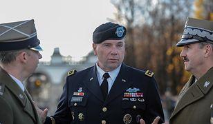 Gen. Ben Hodges uważa, że USA powinny przedyskutować kwestię lokalizacji swoich baz w Polsce z sojusznikami