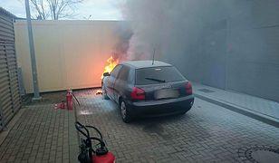 Pożar na stacji benzynowej. Do jego ugaszenia potrzebne były 4 gaśnice