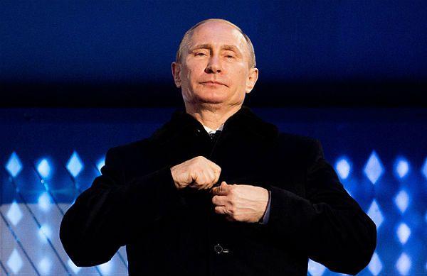 Władimir Putin: świat przymyka oczy na łamanie praw człowieka na Ukrainie