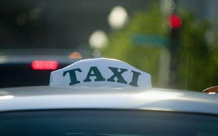 Taksówkarz zarabia średnio 4 tys. zł