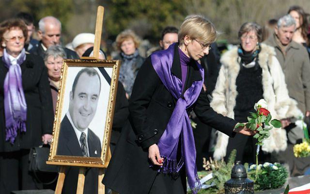 Wdowa Gosiewska ma żal do MON