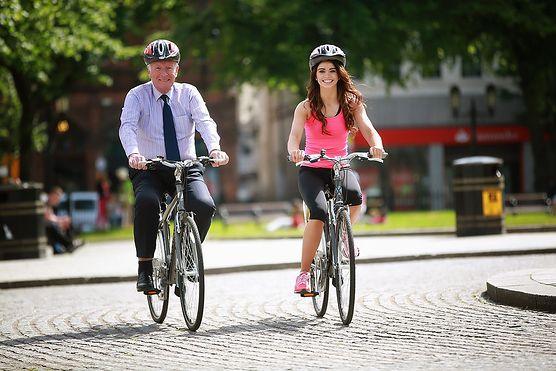 Jaki sport na odchudzanie? Co najlepiej wybrać i czy rower spełni nasze marzenia o szczupłej sylwetce?