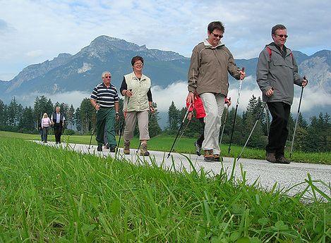 Nordic walking to idealne rozwiązanie dla osób starszych