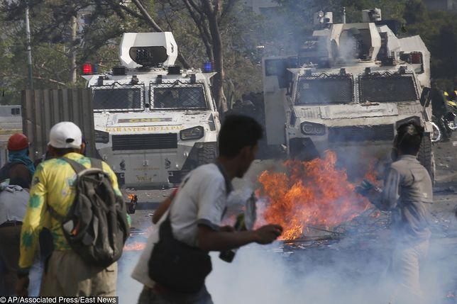 Wenezuela. Krwawe starcia na ulicach Caracas.