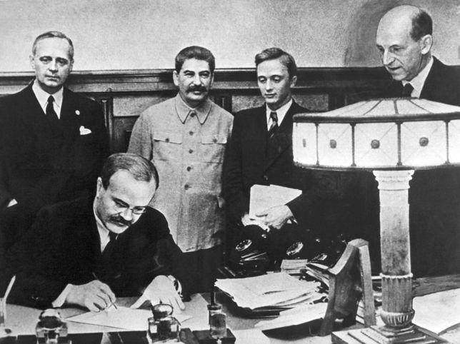 80 lat temu w Moskwie podpisano pakt Ribbentrop-Mołotow