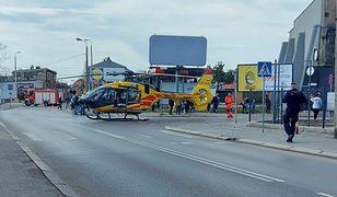 Chorzów. Helikopter LPR lądował w centrum miasta, wyłączone ulice. Zasłabła kobieta