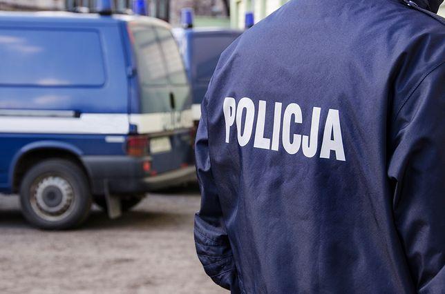 Śląskie. Nastolatek uderzony maczetą w głowę w Świętochłowicach