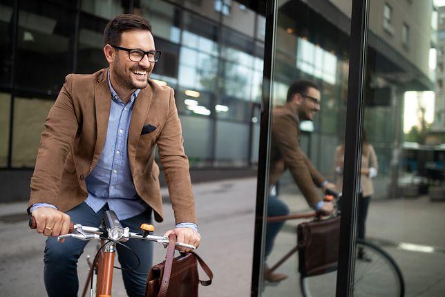 Stylizacje do pracy, czyli jak się ubrać do biura
