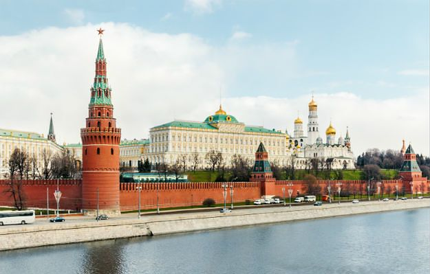 Nowy patent Rosjan na powódź w mieście