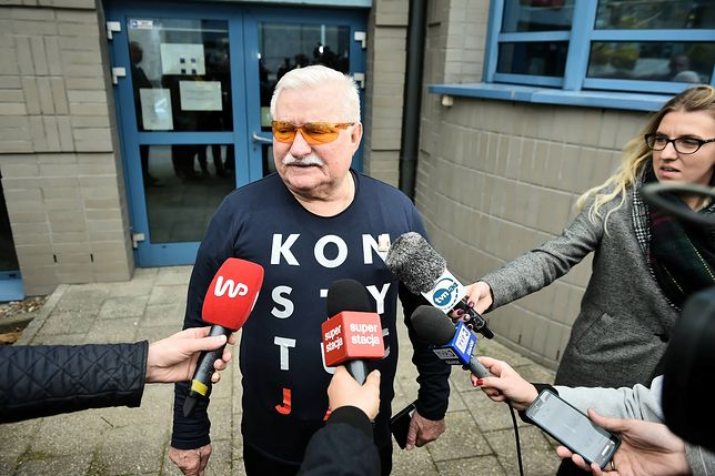 """Lech Wałęsa przeprosił Piotra Dudę. """"Autor zdjęcia wprowadził mnie w błąd"""""""