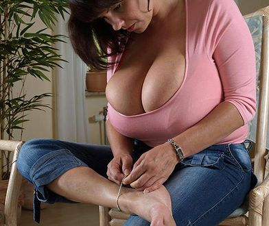 Milena Velba - naprawdę duże i naturalne piersi