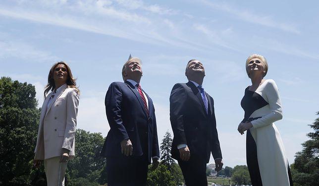 Donald Trump i Andrzej Duda z żonami podziwiają F-35 nad Białym Domem