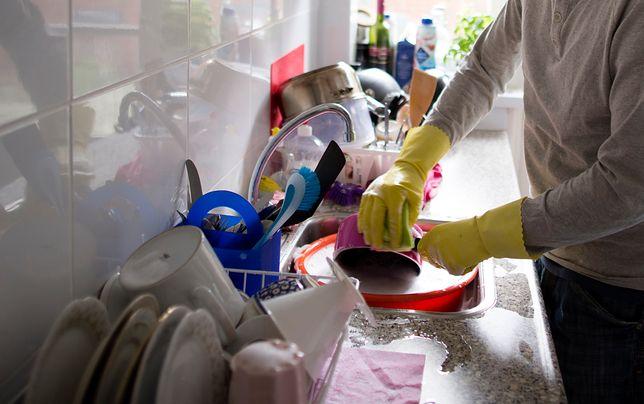 Najbrudniejsze rzeczy w mieszkaniu. Ponad 80 proc. Polaków nie myje tego przedmiotu