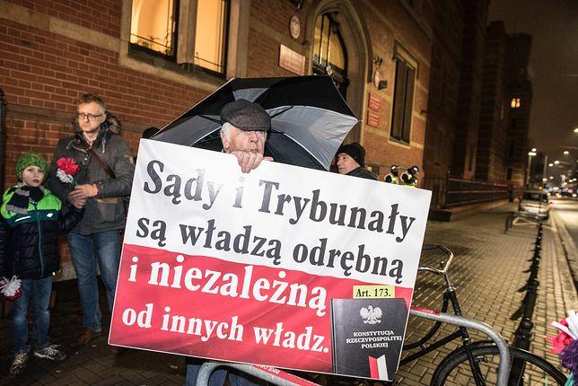 Nie wszyscy Polacy akceptują zmiany w sądownictwie