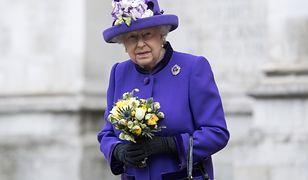 Królowa Elżbieta II ma konto na Facebooku!