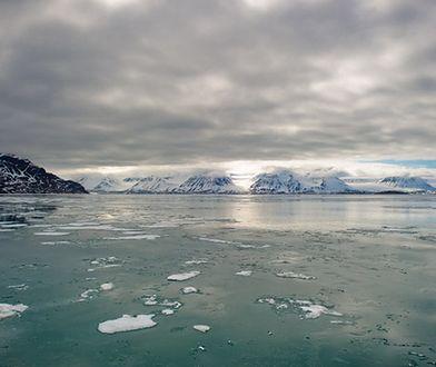 Rekord gorąca w Arktyce? Klimatolodzy alarmują, że może być o 20 stopni Celsjusza cieplej niż średnia