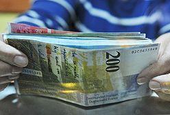 """Kurs franka w dół. Szwajcarska waluta tańsza niż przed """"czarnym czwartkiem"""""""