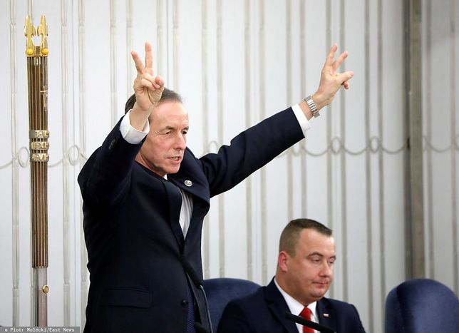 Dziś wieczorem marszałek Senatu wygłosi w TVP orędzie do Polaków.