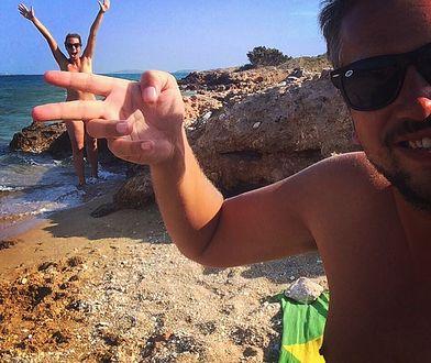 Nick i Lins w trakcie swoich wojaży konsekwentnie wybierają plaże, kempingi i ośrodki dla nudystów