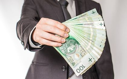 Ilu pracujących Polaków otrzymuje płacę minimalną?