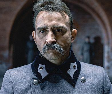 """Borys Szyc jako Józef Piłsudski w filmie """"Piłsudski"""""""