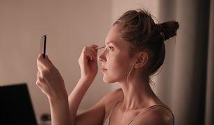 Baza pod makijaż. Jaką wybrać i dlaczego warto jej używać?
