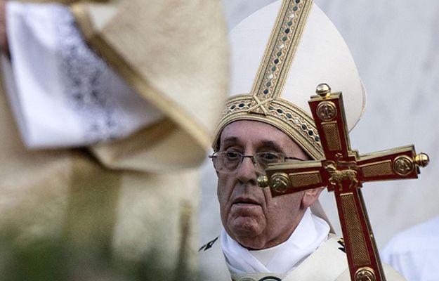 Papież Franciszek podczas mszy w Święto Bożego Ciała w Rzymie