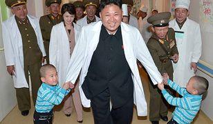 Kim i dzieciaki, czyli przywódca Korei Płn. odwiedza szpital