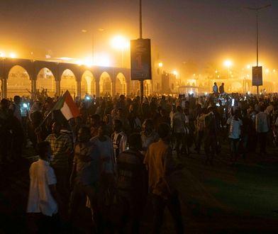 Na ulicach Chartumu trwają protesty