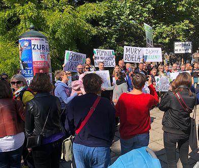 Mieszkańcy Krowodrzy protestują przeciwko rewitalizacji placu Inwalidów