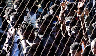 Tysiące imigrantów szturmują hiszpańską granicę w Ceucie. Zobacz relację reportera WP