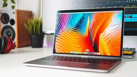 MacBook Pro 13 może się samoistnie wyłączać. Apple podaje rozwiązanie problemu