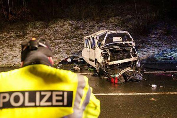 Wypadek polskiego busa w Niemczech. Dwie osoby nie żyją