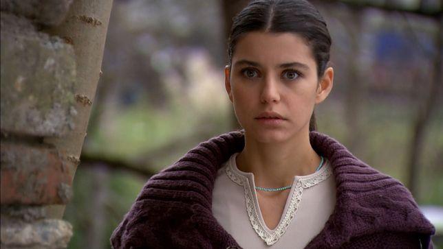 """""""Grzech Fatmagül"""" odcinek 151 – co się wydarzy? Główna bohaterka wda się w bójkę. Zobacz streszczenie!"""