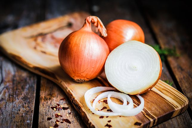 Sok z cebuli nie tylko na przeziębienie. Mamy dobrą wiadomość dla panów