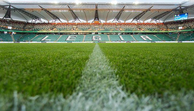 Chwalebne Legia Warszawa podała ceny biletów na Ligę Mistrzów - WP SportoweFakty QP59