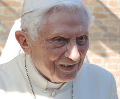 """""""Ekstremalnie słaby"""" Benedykt XVI. Watykan komentuje doniesienia o stanie zdrowia"""