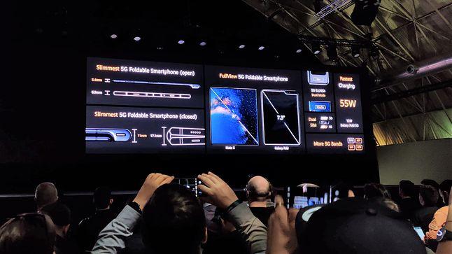 Huawei Mate Xs obsługuje ładowanie z mocą 55 W, fot. Piotr Urbaniak.