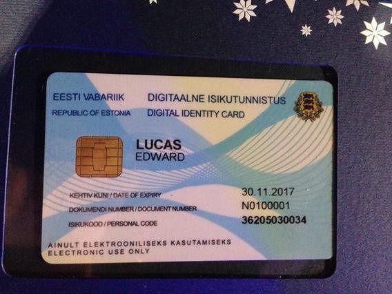 Pierwsza wydana elektroniczna karta e-rezydenta Estonii