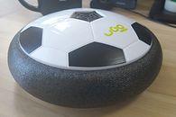 Akcesorium dla młodego, domowego piłkarza? Recenzja uGo Hover Ball
