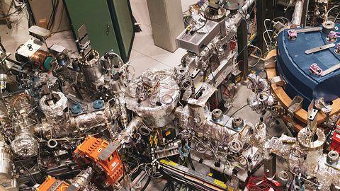 Europejska Organizacja Badań Jądrowych CERN wybiera Linuksa. Microsoft przesadził z cenami