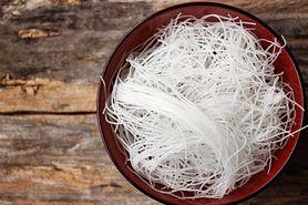 Makaron ryżowy - rodzaje, wartości odżywcze, przygotowanie, z czym jeść, przepis