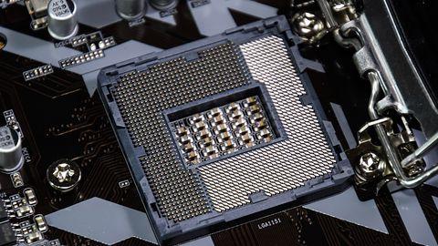 Intel Core i9-9900K uruchomiony i podkręcony do 5,5 GHz na płycie z chipsetem Z170