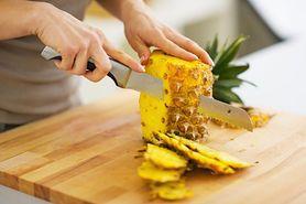 Sałatka z ananasem - składniki, sposób przygotowania, komentarz