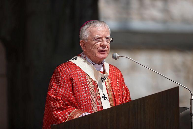 Abp Jędraszewski narzucił nowy obowiązek. Konsternacja wśród wiernych